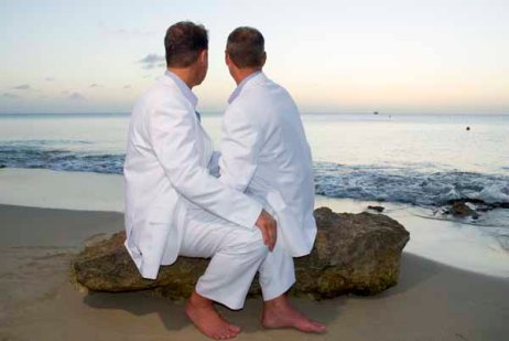 gay_wedding_sand-castle-on-the-beach-st-croix1_from_PurpleUions