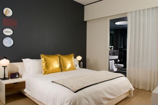 corner suite bedroom AMES0983