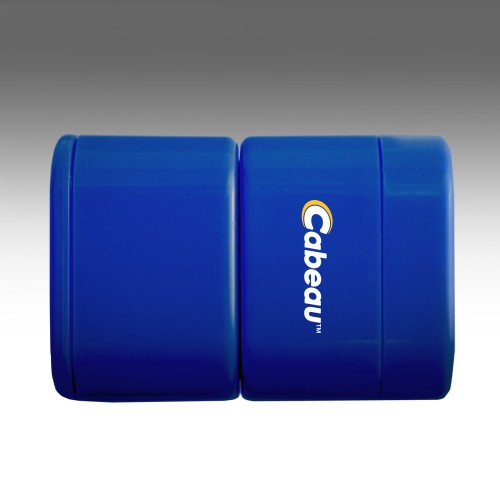 universal-travel-adapter-cabeau-blue-top