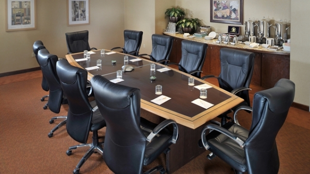dh_boardroom1_2_677x380_FitToBoxSmallDimension_Center