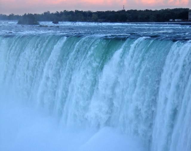 Courtyard-Marriott-Niagara-Falls-Hotels