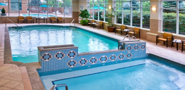 Courtyard-Marriott-Niagara-Falls-Indoor-Pool