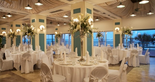 HH_ballroomwedding_45_675x359_FitToBoxSmallDimension_Center